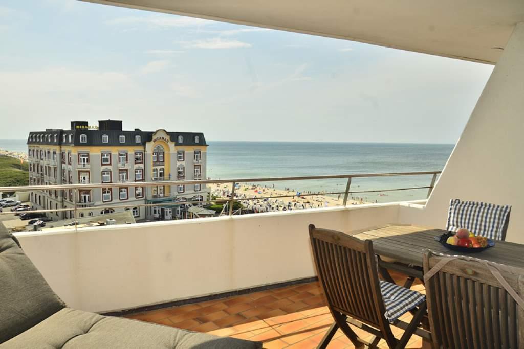 ferienwohnung haus metropol ad84 westerland sylt wiking sylt. Black Bedroom Furniture Sets. Home Design Ideas