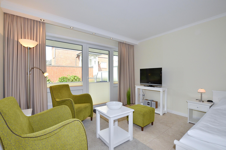 ferienwohnung ro4 ro4 westerland sylt wiking sylt. Black Bedroom Furniture Sets. Home Design Ideas
